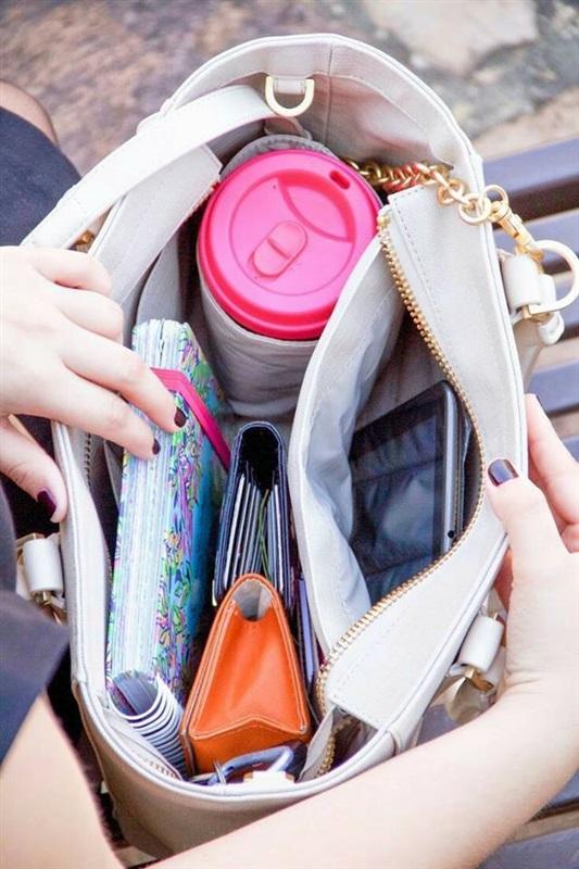 أشياء يجب أن تتواجد في حقيبتك بالجامعة.. تعرفي عليها