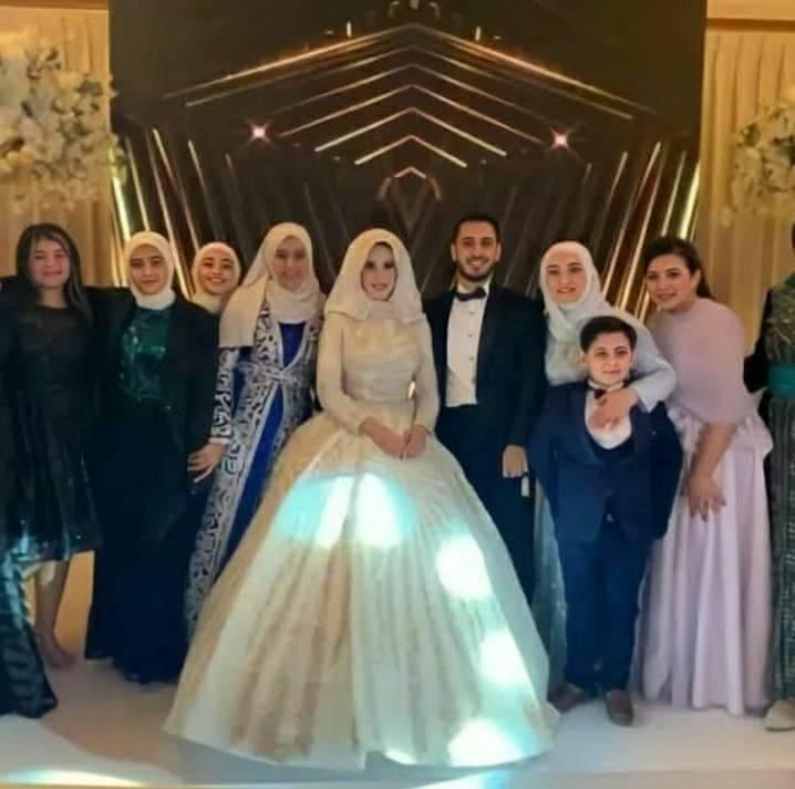 فاجأ الجمهور.. كواليس حفل زفاف الوليد مقداد ابن مؤسس طيور الجنة