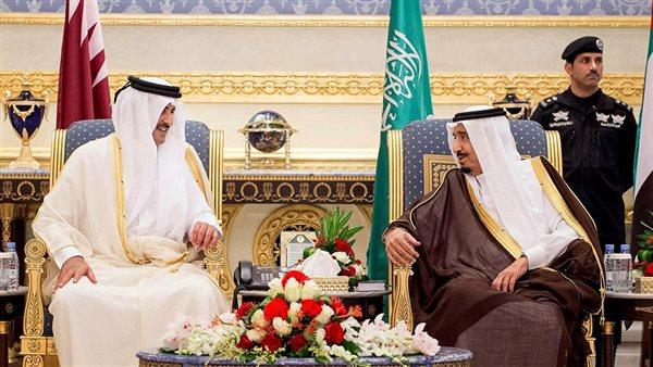 صورة الملك سلمان يتلقى اتصالا هاتفيا من أمير قطر