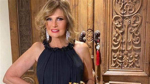 فستان يسرا رجعها 30 سنة لورا - إتفرج علي الجمال